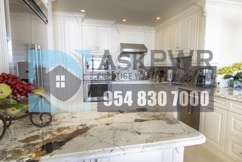 MLS_F10184995-3430_Galt_Ocean_Dr_1706-Prestige_Waterfront_Realty_AskPWR- kitchen 2