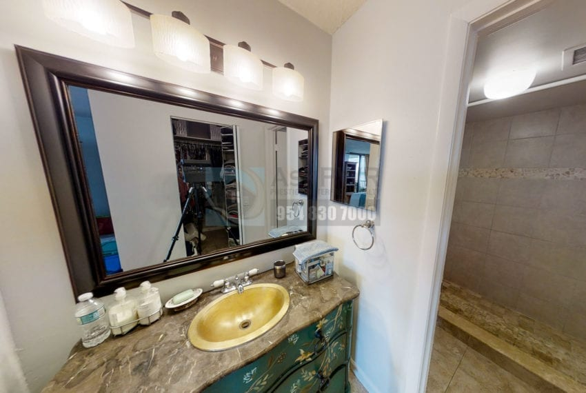 Oakland_Park_Real_Estate-Lake_Emerald_114_406-Condo_for_Sale-F10218930-114_Lake_Emerald_Dr_406_Oakland_Park_FL_33309-Prestige_Waterfront_Realty_AskPWR--4