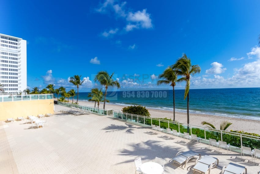 Playa_Del_Sol-3900_Galt_Ocean_Dr_Fort_Lauderdale_FL_33308-Galt_Ocean_Mile_Real_Estate_Listings-Prestige_Waterfront_Realty_AskPWR-CommonArea-15