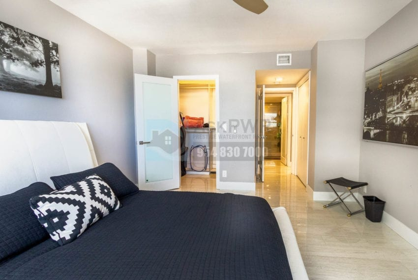 The_Commodore-Galt_Ocean_Mile-Condo_for_sale-MLS_F10191984-Prestige_Waterfront_Realty_AskPWR--13