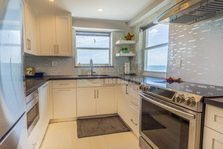 The_Commodore-Galt_Ocean_Mile-Condo_for_sale-MLS_F10191984-Prestige_Waterfront_Realty_AskPWR--23