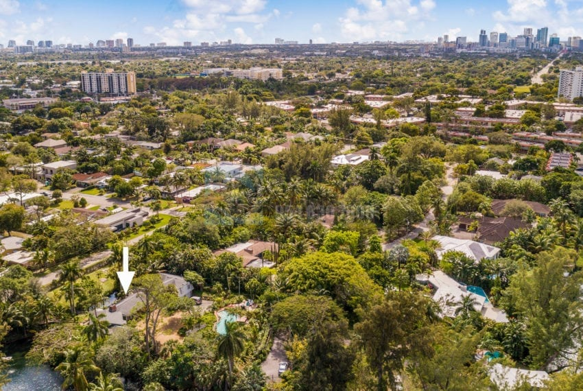 Lazy_Lake-Waterfront_Home_for_Sale-F10219736-2249_Lazy_Lane_Lazy_Lake_FL__Beach_Real_Estate_Listing-3050_N_Palm_Aire_Dr_310_Pompano_Beach_FL_33305-Prestige_Waterfront_Realty_AskPWR-10
