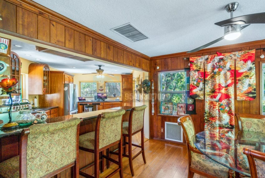 Lazy_Lake-Waterfront_Home_for_Sale-F10219736-2249_Lazy_Lane_Lazy_Lake_FL__Beach_Real_Estate_Listing-3050_N_Palm_Aire_Dr_310_Pompano_Beach_FL_33305-Prestige_Waterfront_Realty_AskPWR-13