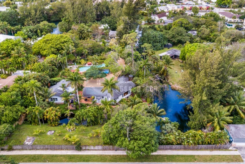 Lazy_Lake-Waterfront_Home_for_Sale-F10219736-2249_Lazy_Lane_Lazy_Lake_FL__Beach_Real_Estate_Listing-3050_N_Palm_Aire_Dr_310_Pompano_Beach_FL_33305-Prestige_Waterfront_Realty_AskPWR-14