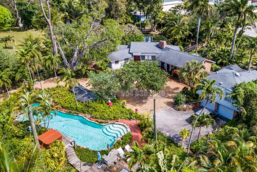 Lazy_Lake-Waterfront_Home_for_Sale-F10219736-2249_Lazy_Lane_Lazy_Lake_FL__Beach_Real_Estate_Listing-3050_N_Palm_Aire_Dr_310_Pompano_Beach_FL_33305-Prestige_Waterfront_Realty_AskPWR-15