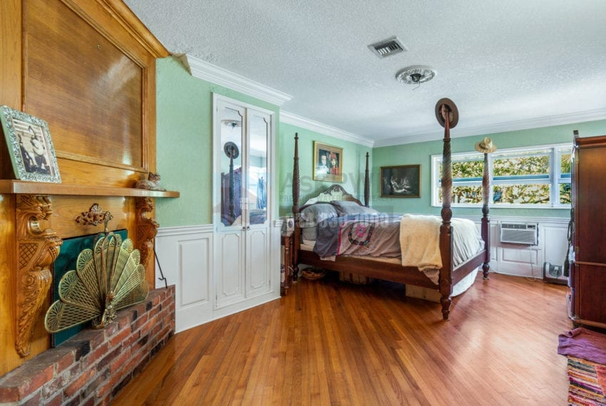 Lazy_Lake-Waterfront_Home_for_Sale-F10219736-2249_Lazy_Lane_Lazy_Lake_FL__Beach_Real_Estate_Listing-3050_N_Palm_Aire_Dr_310_Pompano_Beach_FL_33305-Prestige_Waterfront_Realty_AskPWR-19