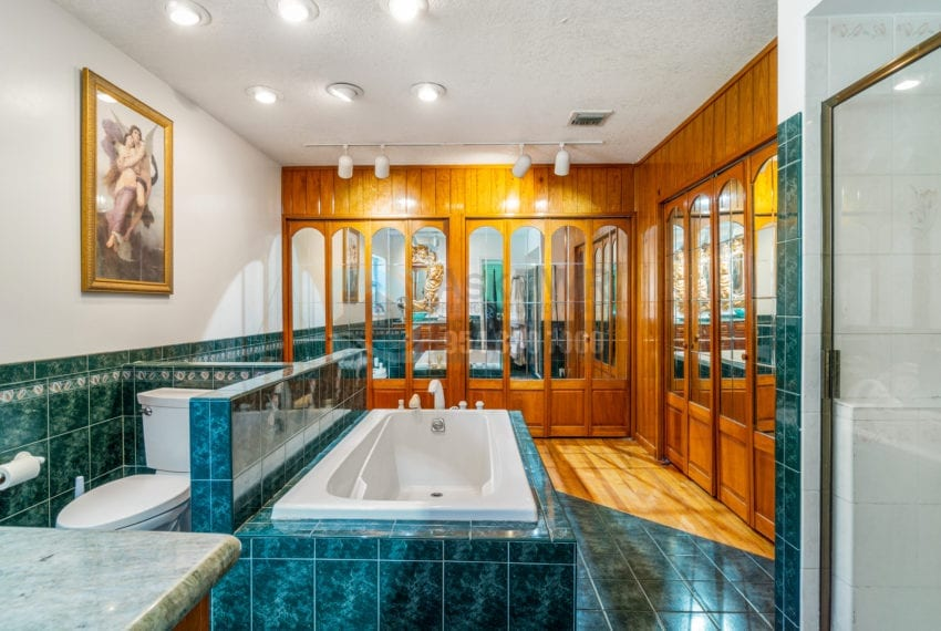 Lazy_Lake-Waterfront_Home_for_Sale-F10219736-2249_Lazy_Lane_Lazy_Lake_FL__Beach_Real_Estate_Listing-3050_N_Palm_Aire_Dr_310_Pompano_Beach_FL_33305-Prestige_Waterfront_Realty_AskPWR-2