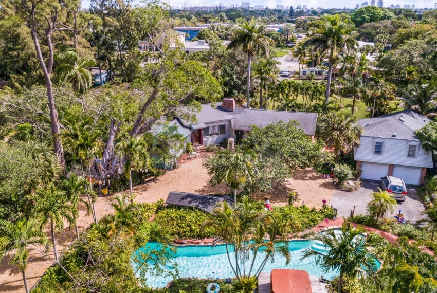 Lazy_Lake-Waterfront_Home_for_Sale-F10219736-2249_Lazy_Lane_Lazy_Lake_FL__Beach_Real_Estate_Listing-3050_N_Palm_Aire_Dr_310_Pompano_Beach_FL_33305-Prestige_Waterfront_Realty_AskPWR-21