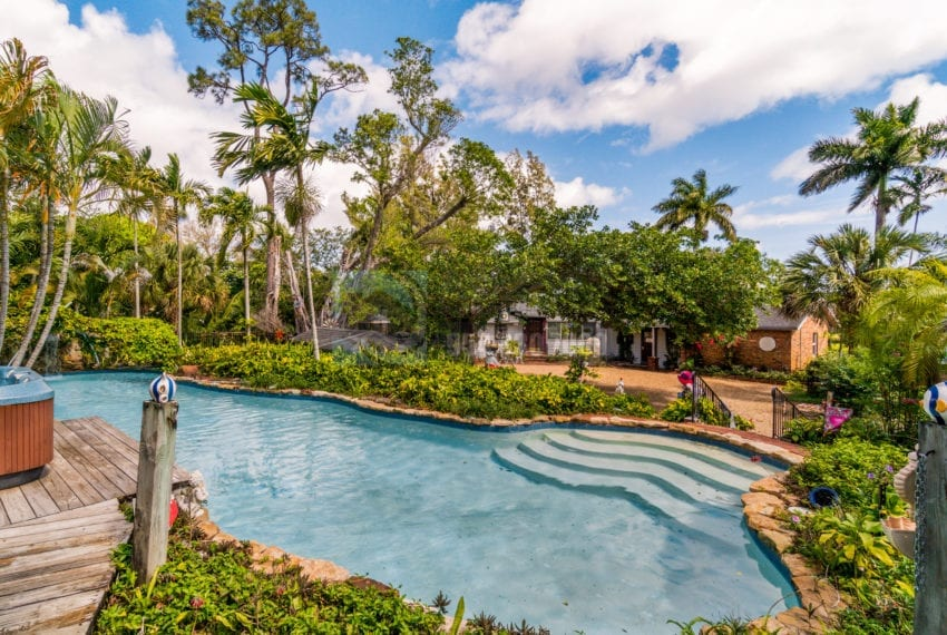 Lazy_Lake-Waterfront_Home_for_Sale-F10219736-2249_Lazy_Lane_Lazy_Lake_FL__Beach_Real_Estate_Listing-3050_N_Palm_Aire_Dr_310_Pompano_Beach_FL_33305-Prestige_Waterfront_Realty_AskPWR-23