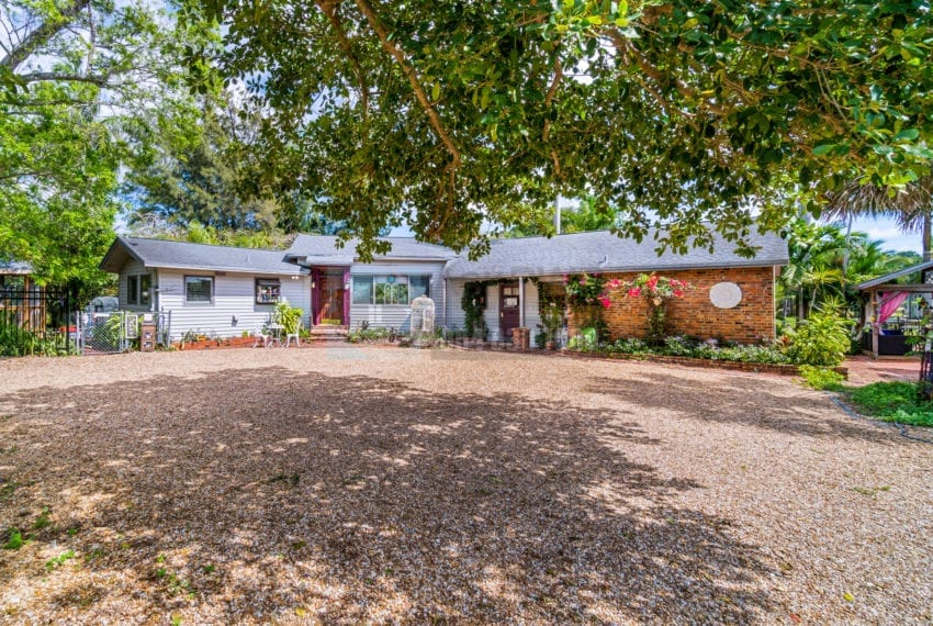 Lazy_Lake-Waterfront_Home_for_Sale-F10219736-2249_Lazy_Lane_Lazy_Lake_FL__Beach_Real_Estate_Listing-3050_N_Palm_Aire_Dr_310_Pompano_Beach_FL_33305-Prestige_Waterfront_Realty_AskPWR-26