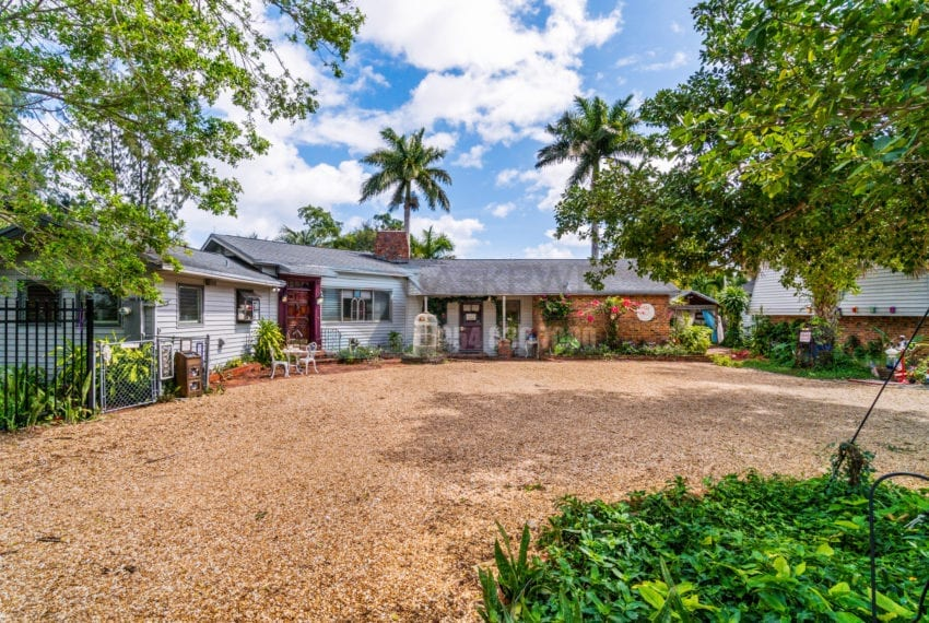 Lazy_Lake-Waterfront_Home_for_Sale-F10219736-2249_Lazy_Lane_Lazy_Lake_FL__Beach_Real_Estate_Listing-3050_N_Palm_Aire_Dr_310_Pompano_Beach_FL_33305-Prestige_Waterfront_Realty_AskPWR-29