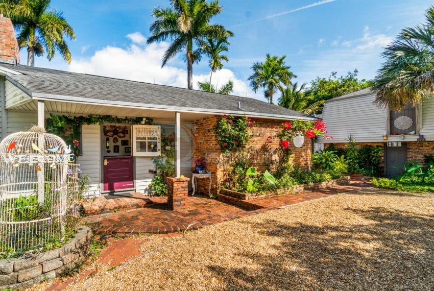 Lazy_Lake-Waterfront_Home_for_Sale-F10219736-2249_Lazy_Lane_Lazy_Lake_FL__Beach_Real_Estate_Listing-3050_N_Palm_Aire_Dr_310_Pompano_Beach_FL_33305-Prestige_Waterfront_Realty_AskPWR-30