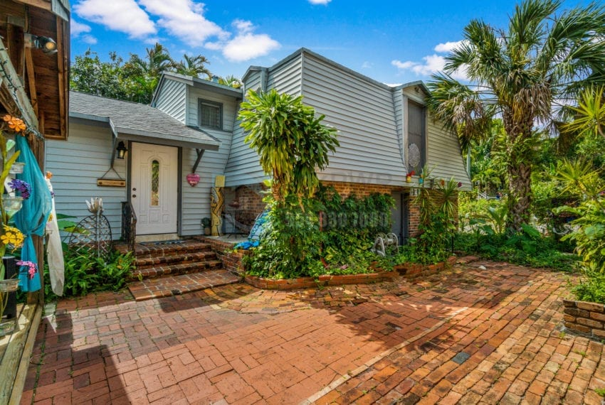 Lazy_Lake-Waterfront_Home_for_Sale-F10219736-2249_Lazy_Lane_Lazy_Lake_FL__Beach_Real_Estate_Listing-3050_N_Palm_Aire_Dr_310_Pompano_Beach_FL_33305-Prestige_Waterfront_Realty_AskPWR-31