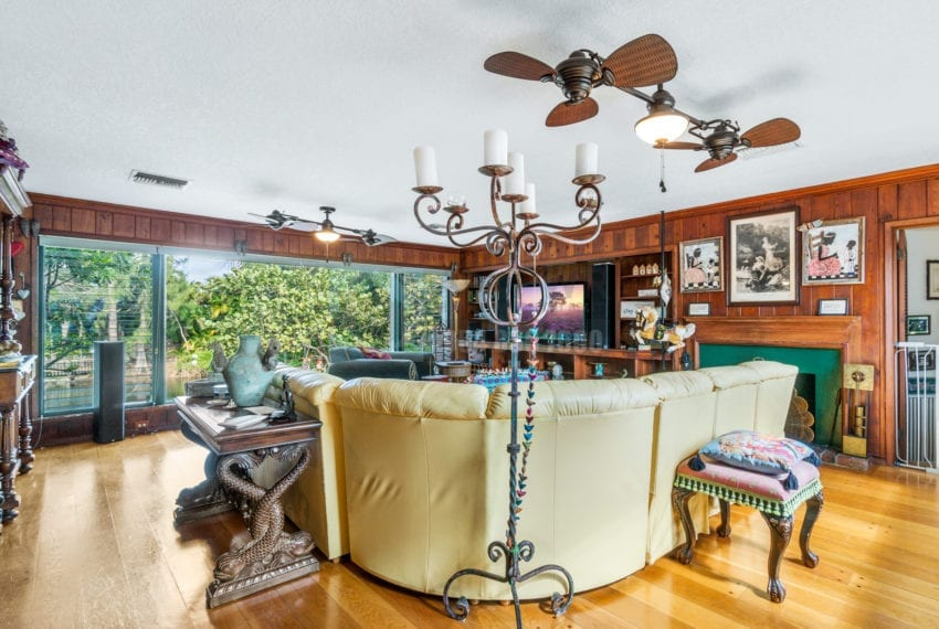 Lazy_Lake-Waterfront_Home_for_Sale-F10219736-2249_Lazy_Lane_Lazy_Lake_FL__Beach_Real_Estate_Listing-3050_N_Palm_Aire_Dr_310_Pompano_Beach_FL_33305-Prestige_Waterfront_Realty_AskPWR-37