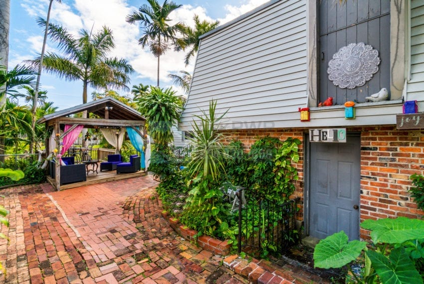 Lazy_Lake-Waterfront_Home_for_Sale-F10219736-2249_Lazy_Lane_Lazy_Lake_FL__Beach_Real_Estate_Listing-3050_N_Palm_Aire_Dr_310_Pompano_Beach_FL_33305-Prestige_Waterfront_Realty_AskPWR-39