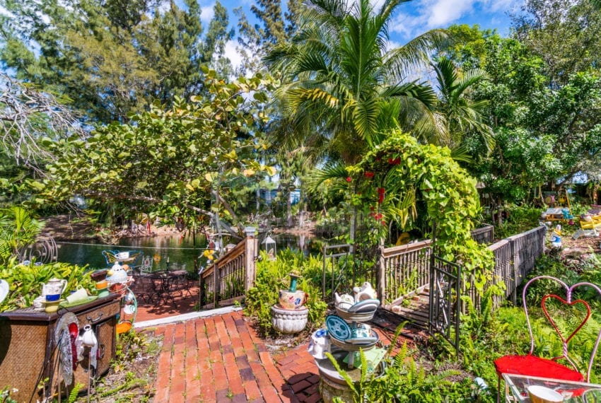 Lazy_Lake-Waterfront_Home_for_Sale-F10219736-2249_Lazy_Lane_Lazy_Lake_FL__Beach_Real_Estate_Listing-3050_N_Palm_Aire_Dr_310_Pompano_Beach_FL_33305-Prestige_Waterfront_Realty_AskPWR-40