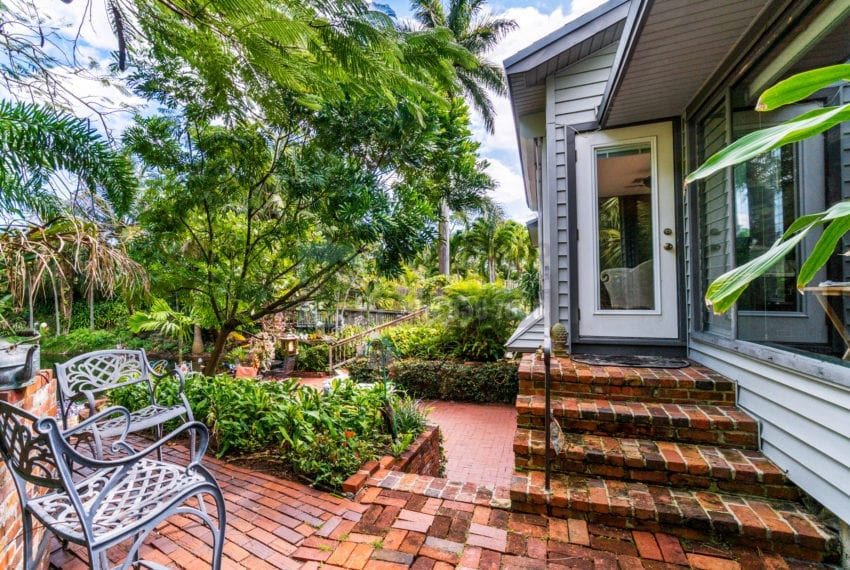 Lazy_Lake-Waterfront_Home_for_Sale-F10219736-2249_Lazy_Lane_Lazy_Lake_FL__Beach_Real_Estate_Listing-3050_N_Palm_Aire_Dr_310_Pompano_Beach_FL_33305-Prestige_Waterfront_Realty_AskPWR-47
