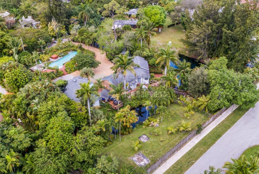 Lazy_Lake-Waterfront_Home_for_Sale-F10219736-2249_Lazy_Lane_Lazy_Lake_FL__Beach_Real_Estate_Listing-3050_N_Palm_Aire_Dr_310_Pompano_Beach_FL_33305-Prestige_Waterfront_Realty_AskPWR-8