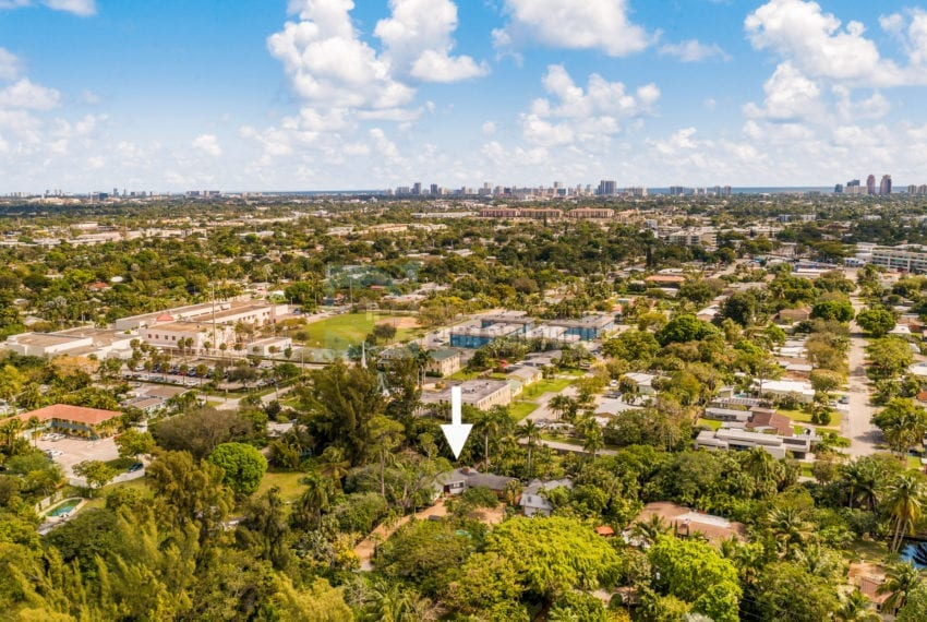 Lazy_Lake-Waterfront_Home_for_Sale-F10219736-2249_Lazy_Lane_Lazy_Lake_FL__Beach_Real_Estate_Listing-3050_N_Palm_Aire_Dr_310_Pompano_Beach_FL_33305-Prestige_Waterfront_Realty_AskPWR-9