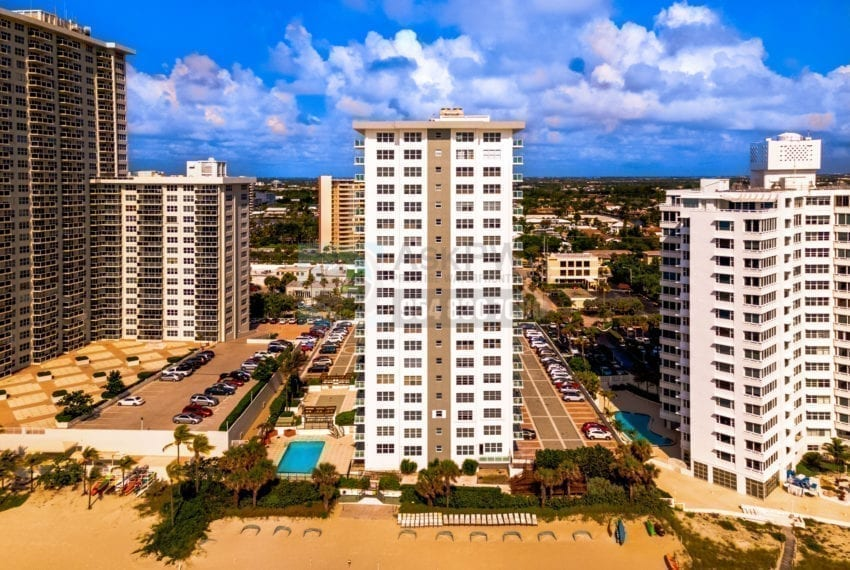 Riviera_Condominium-3550_Galt_Ocean_Drive-Galt_Mile-Real_Estate_Listings-Oceanfront_Condos_for_Sale_&_Rent-Prestige_Waterfront_Realty_AskPWR-Beach-Drone-June_2020-1