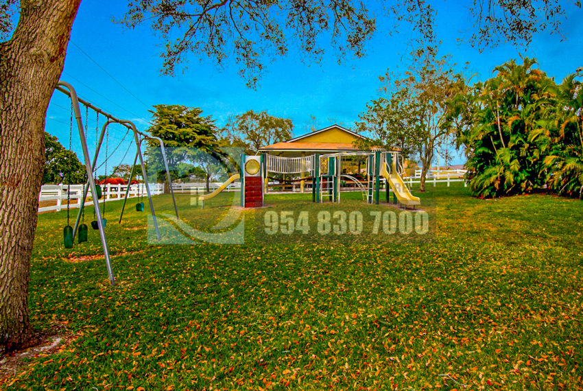 MLS_A10046579-15990_Griffin_Rd_Southwest_ranches-Prestige_Waterfront_Realty_AskPWR-Highest_Sold_Listing_in_Southwest_ranches-11