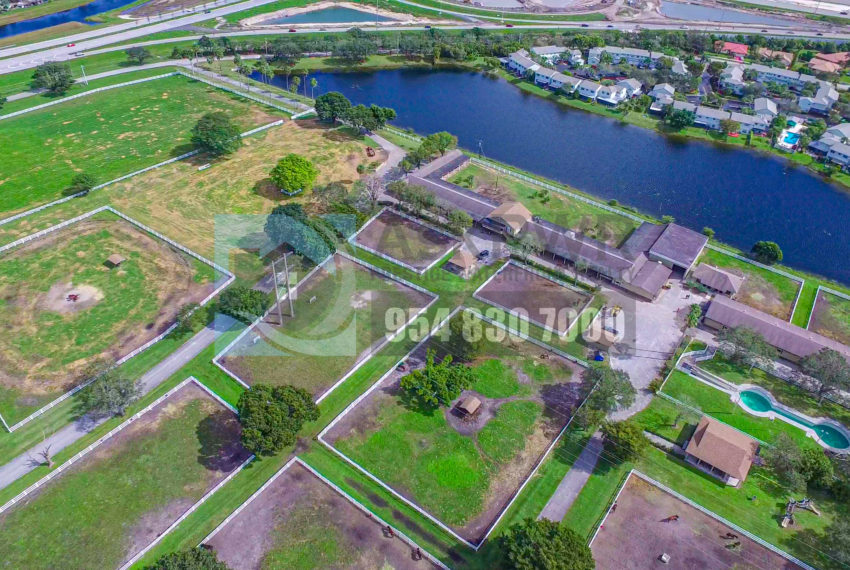 MLS_A10046579-15990_Griffin_Rd_Southwest_ranches-Prestige_Waterfront_Realty_AskPWR-Highest_Sold_Listing_in_Southwest_ranches-26