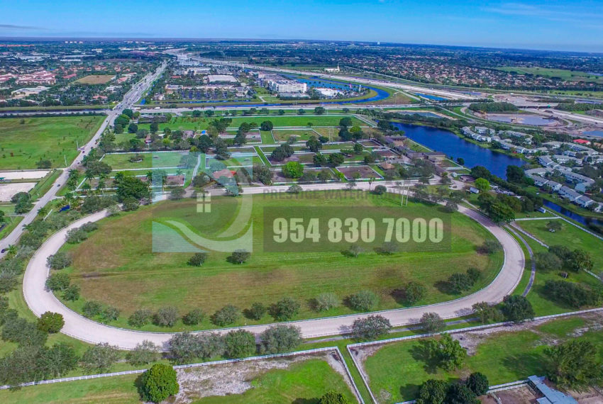 MLS_A10046579-15990_Griffin_Rd_Southwest_ranches-Prestige_Waterfront_Realty_AskPWR-Highest_Sold_Listing_in_Southwest_ranches-28