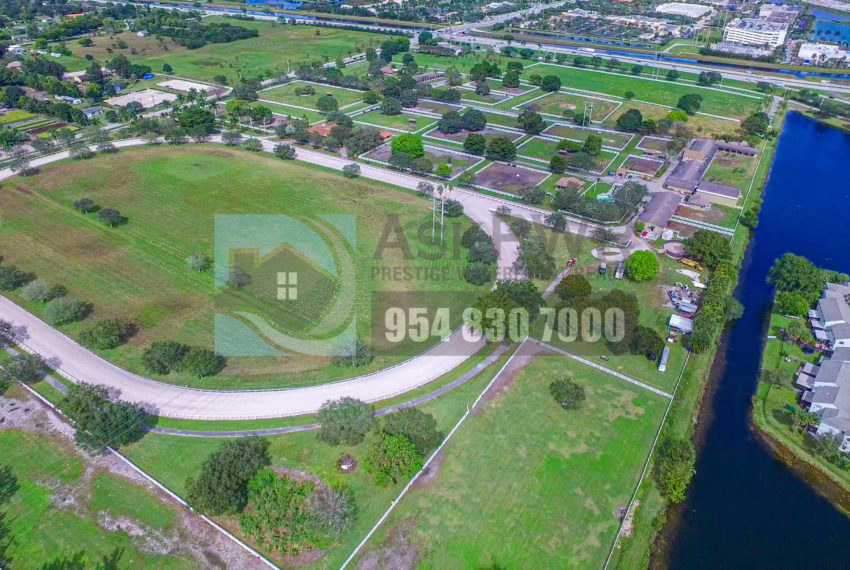 MLS_A10046579-15990_Griffin_Rd_Southwest_ranches-Prestige_Waterfront_Realty_AskPWR-Highest_Sold_Listing_in_Southwest_ranches-31