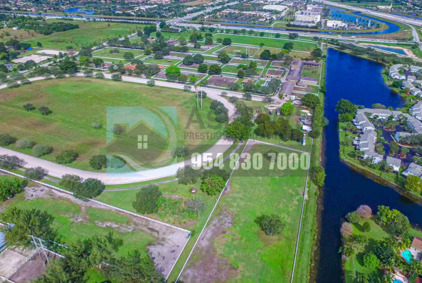 MLS_A10046579-15990_Griffin_Rd_Southwest_ranches-Prestige_Waterfront_Realty_AskPWR-Highest_Sold_Listing_in_Southwest_ranches-32
