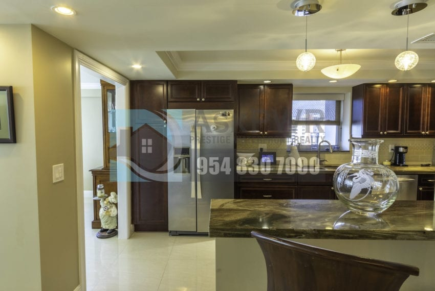 Galt_Mile_Condo_for_Sale-The_commodore-3430_galt_ocean_dr_1411_mls_F10271884-Prestige_Waterfront_Realty_AskPWR-2