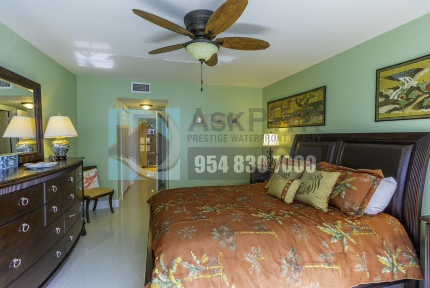 Galt_Mile_Condo_for_Sale-The_commodore-3430_galt_ocean_dr_1411_mls_F10271884-Prestige_Waterfront_Realty_AskPWR-31
