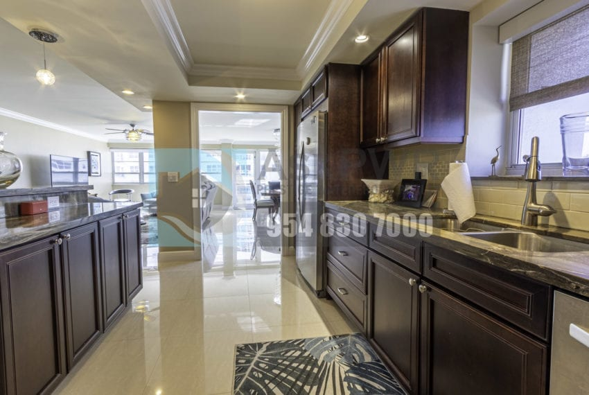 Galt_Mile_Condo_for_Sale-The_commodore-3430_galt_ocean_dr_1411_mls_F10271884-Prestige_Waterfront_Realty_AskPWR-6